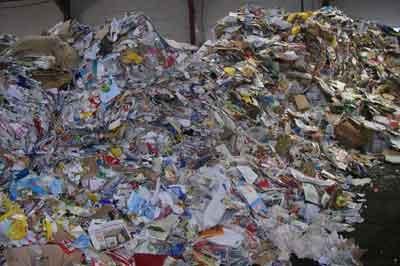 Entsorgung von Papier und Pappe - Schultz Recycling Kropf